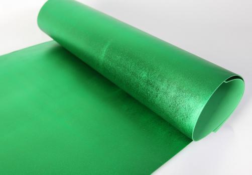 VR-FE4 40T20-S60X70-HPLM6207 Verde-Зеленый Фоамиран металлик. толщина 2мм. лист 60x70см. в пачке из 10 листов. TM Volpe Rosa